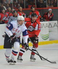 Подробнее: Новичок «Донбасса» Александр ЖУРУН (справа) дважды выигрывал Кубок «Братины» в составе «Югры» (2009 год) и «Рубина» (2011)
